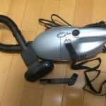 一人暮らしに最適な激安小型掃除機!吸引力も強力!